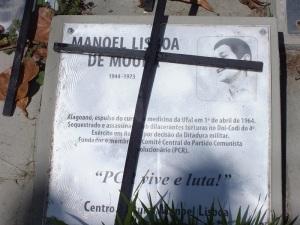 Gedenkkreuz auf der Praça Padre Henrique / Cruz de memória na Praça Padre Henrique - Manoel Lisboa