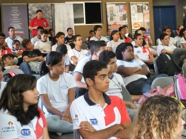 "History Project ""Amnesty and Democracy"" at Technical School Maria Eduarda Ramos de Barros in Carpina"