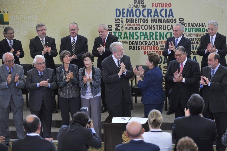 National Truth Commission hands over final report to President Dilma Rousseff